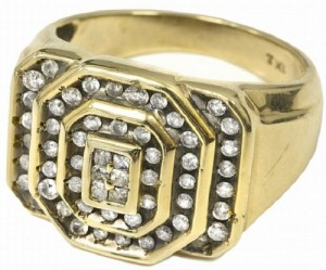 Elvis-Presleys-10K-Gold-Ring-56-Diamonds