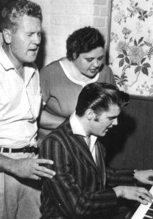 Gladys Presley Singing Home Sweet Home