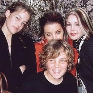 riley keough lisa marie priscillapresley benjamin keough
